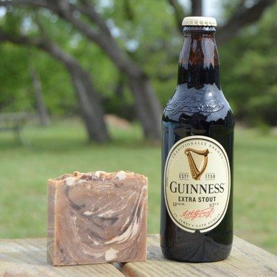 sheepish grins Guinness bier zeep
