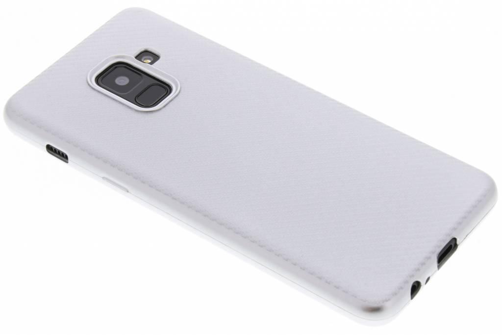 Zilver Carbon siliconen hoesje voor de Samsung Galaxy A8 (2018)