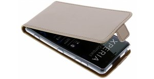 Luxe Softcase Flipcase Sony Xperia XZ2 Compact
