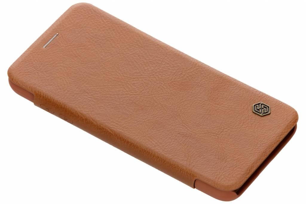 Nillkin Bruine Qin Leather slim booktype voor de Samsung Galaxy A6 (2018)