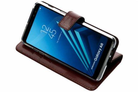 Valenta Leather Booktype voor Samsung Galaxy A8 (2018) - Bruin