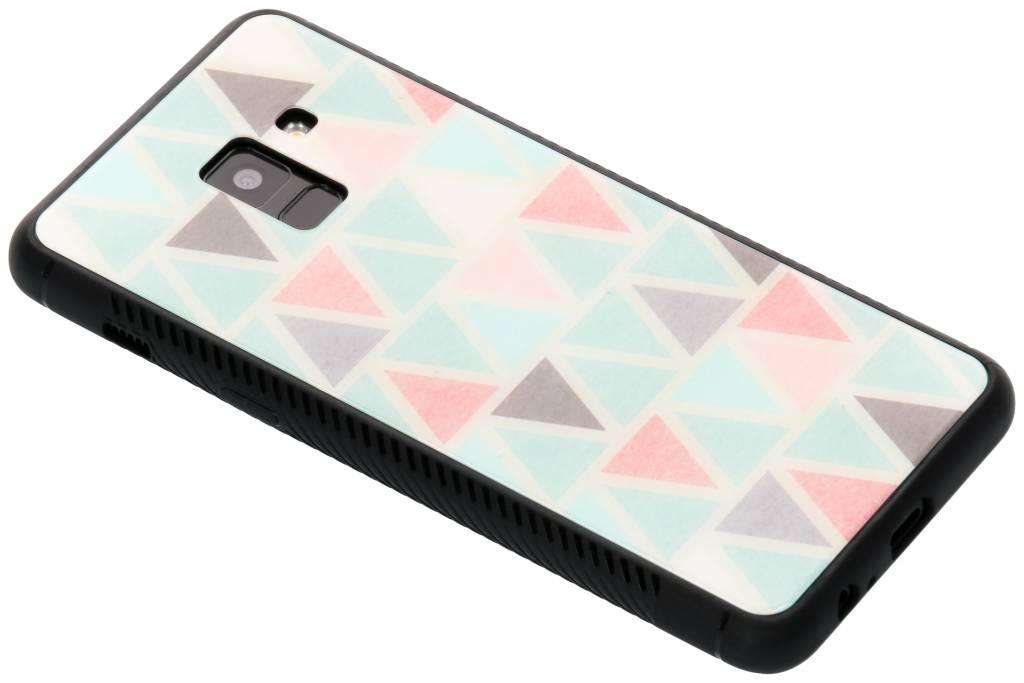 Grafisch driehoekjes design glazen hardcase voor de Samsung Galaxy A8 (2018)