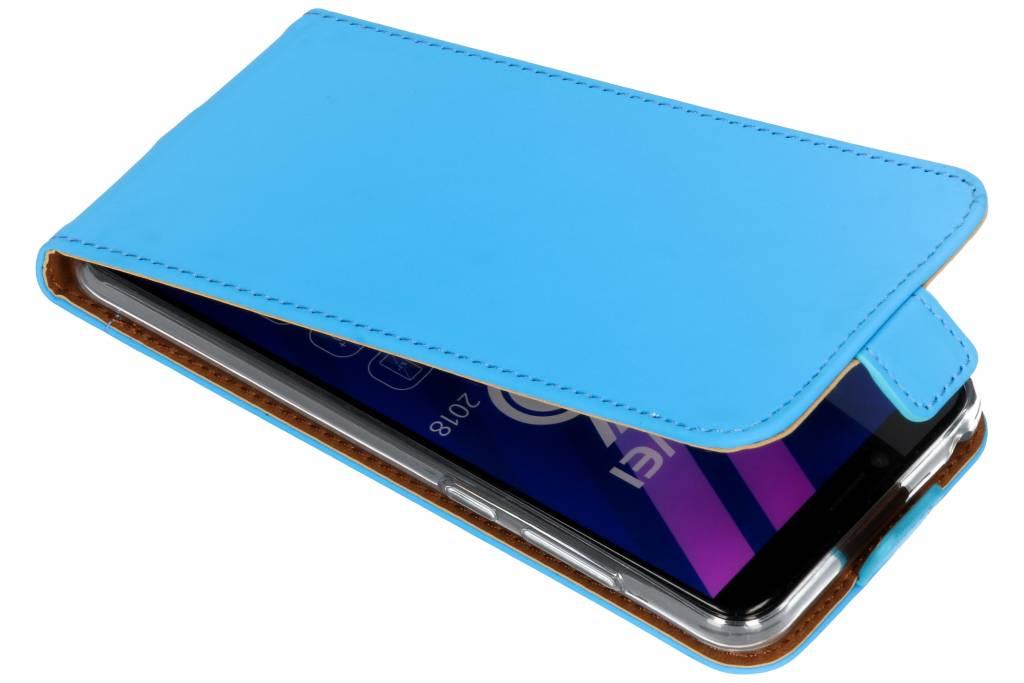 Selencia Blauwe Luxe TPU Flipcase voor de Huawei Y6 (2018)