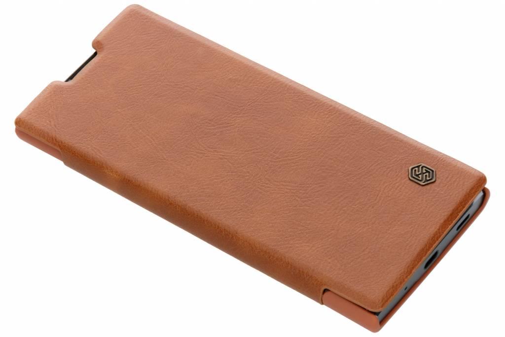 Nillkin Bruine Qin Leather slim booktype voor de Sony Xperia XA2 Plus