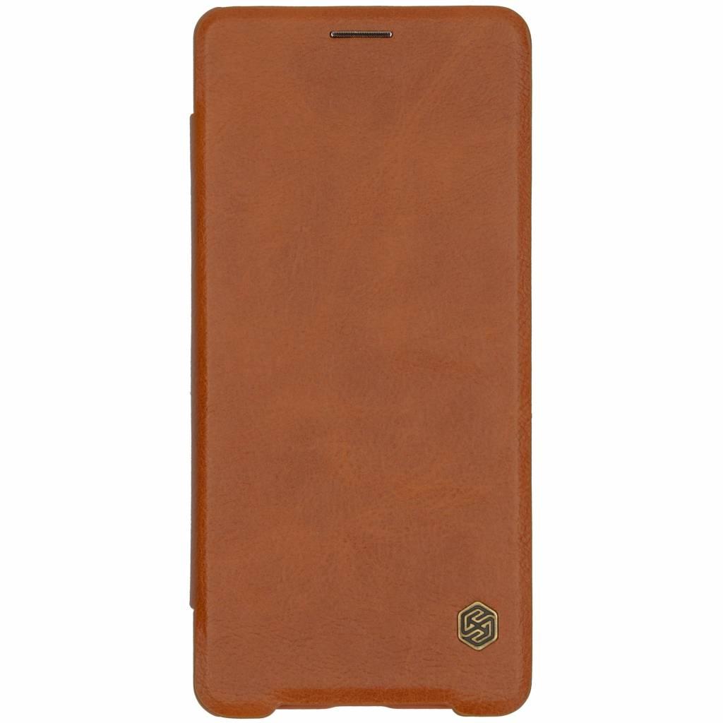 Nillkin Bruine Qin Leather slim booktype voor de Sony Xperia XZ3