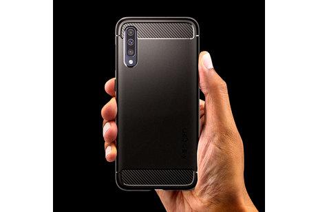 Spigen Rugged Armor Backcover voor de Samsung Galaxy A50 / A30s - Zwart