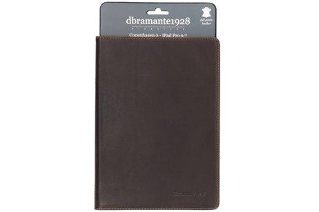 dbramante1928 Copenhagen Booktype voor iPad Pro 9.7 - Bruin
