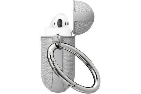 Apple AirPods hoesje - Spigen Urban Fit Case