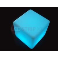 LED Kubus oplaadbaar met RGB Kleuren en IR Afstandsbediening