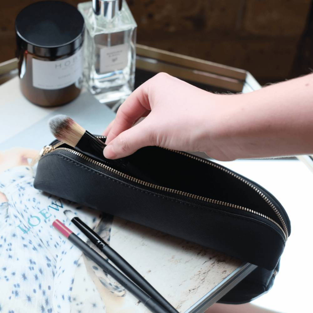 Make-Up Etui in Black-2