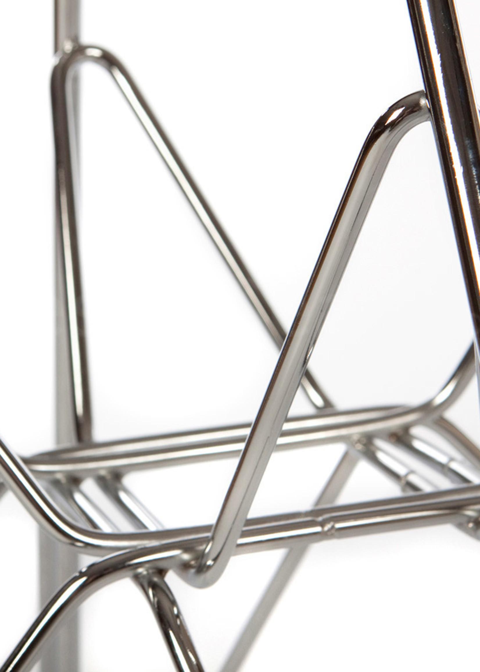 DAR Eames Chair Off white