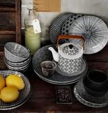 Tokyo Design Studio Tokyo Design Studio New Nippon Black Set van 3 Borden Ø 25,7 cm. In fraaie geschenkdoos.