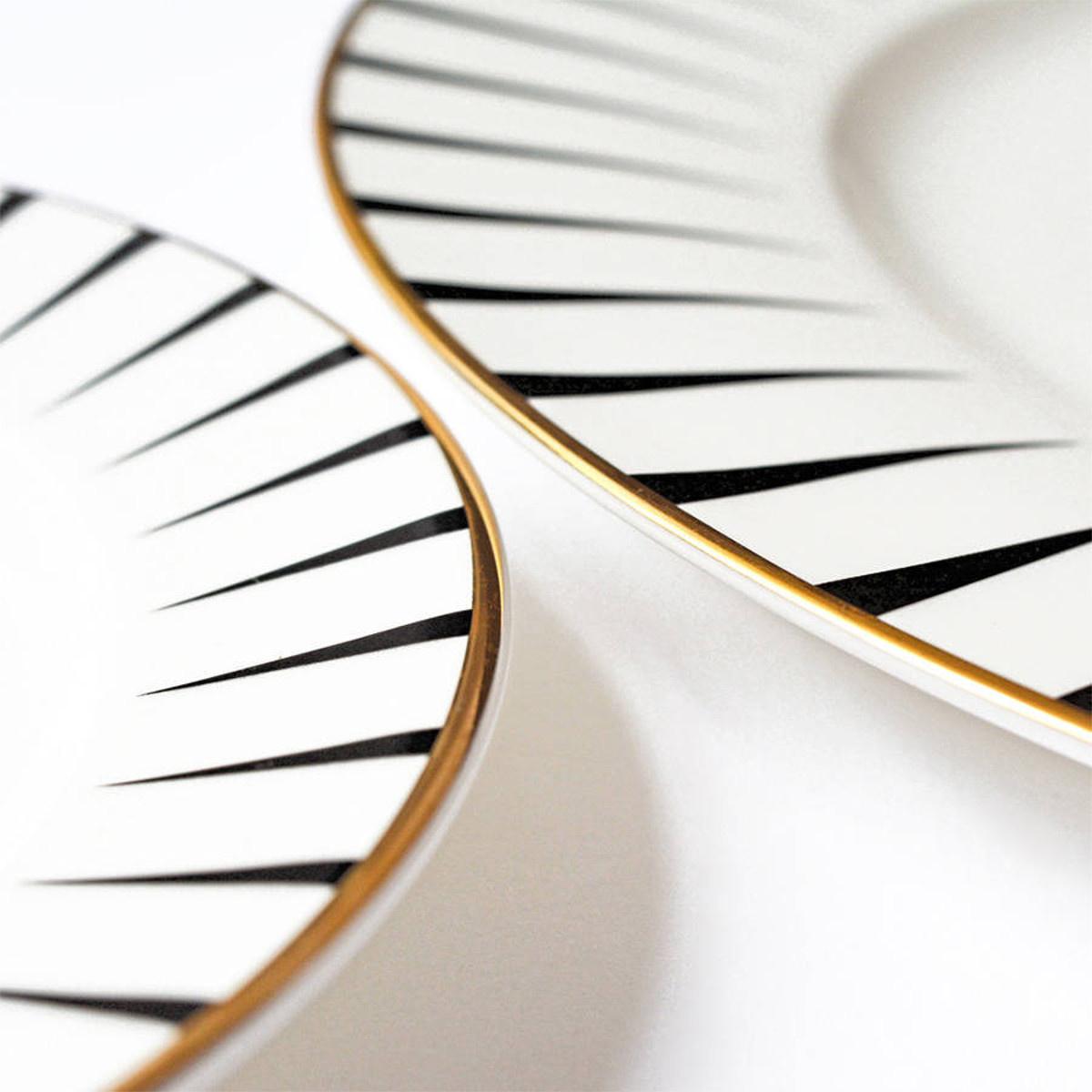 Yvonne Ellen London Monochrome Set of1 Dinner Plate Ø 26,5 cm and 1 Side Plate Ø 16 cm - Whale - Bone China - In Beautiful Giftbox