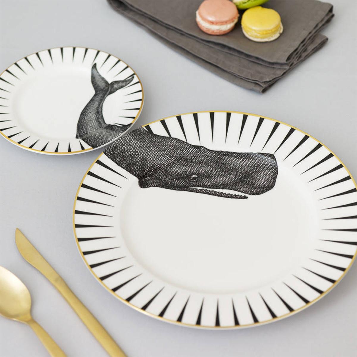 Yvonne Ellen Yvonne Ellen London Monochrome Set of1 Dinner Plate Ø 26,5 cm and 1 Side Plate Ø 16 cm - Whale - Bone China - In Beautiful Giftbox