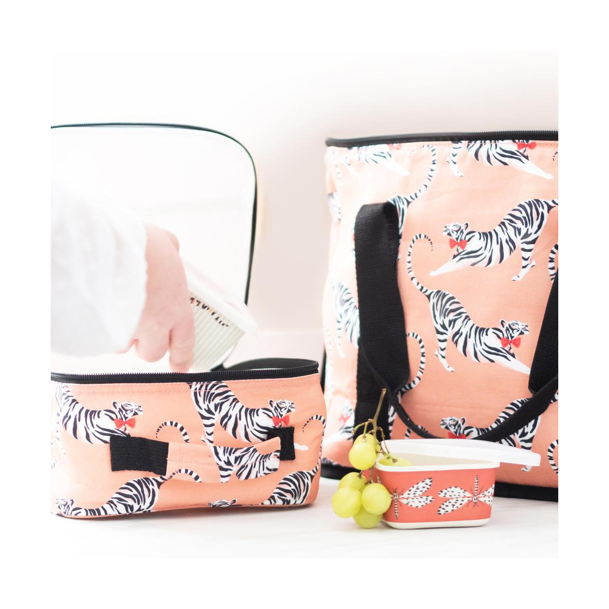 Yvonne Ellen London Yvonne Ellen PICNIC Tropical Cooler Bag 31 x 40 x 19 cm - Copy