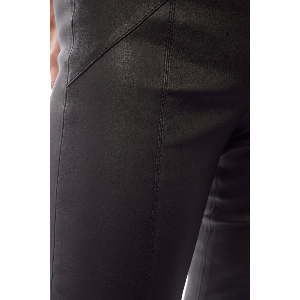 Arma Black Leather Legging Cassay