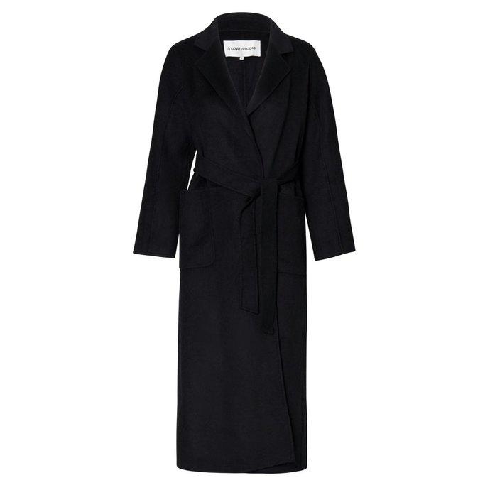 Stand Black Coat Claudine