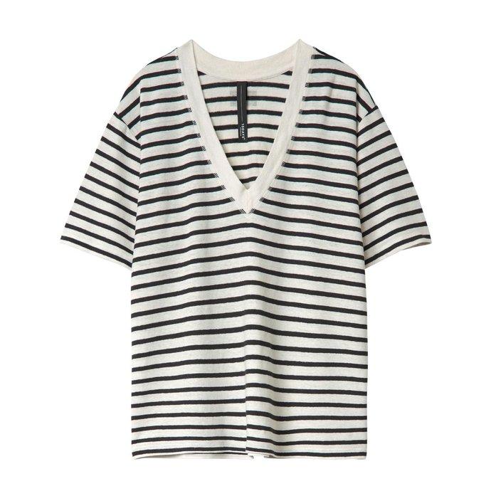 10Days Soft White/Black Reversible V-Neck Tee Stripes 20.750.0201/1