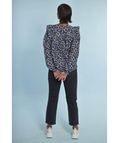 Leuke Munthe blouse met een stoere Zoe Karssen jeans