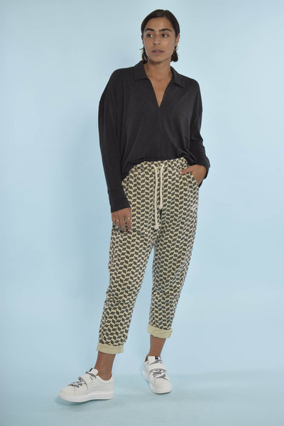 10Day soft blouse met 10Days oatmeal jogger