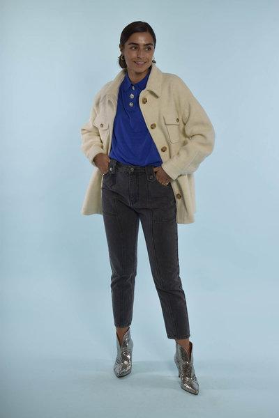 Essentiel Antwerp trui met een wollen jas