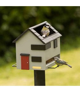 Vogelfutterhaus mit Vogeltränke