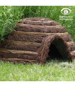 Igelhaus aus natürlichen Materialien