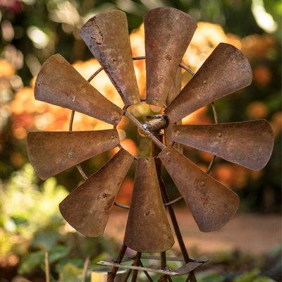 Rostige Gartendekoration