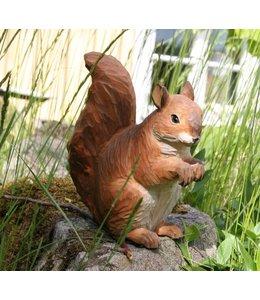 Handgeschnitztes Eichhörnchen aus Holz