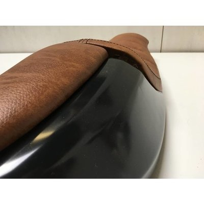 """Cafe Racer """"Neo"""" Seat Tuck 'N Roll Bruin 3"""