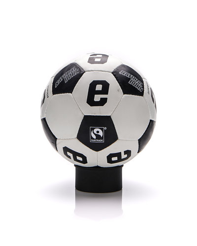 Ethletic SOCCERBALL_Natural Star V_neu Jet Black | Just White