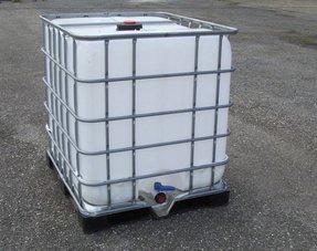 Wasserbehälter Wasserfass Regenwassertank IBC 640 Liter Wassertank GEREINGT