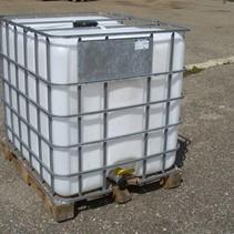 IBC Tank 1000L, Regenwassertank  auf Holzpalette