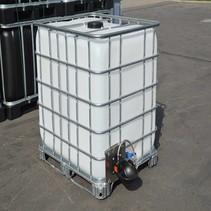 IBC Tank 1000 l auf Stahl/PE-Palette mit Tränke