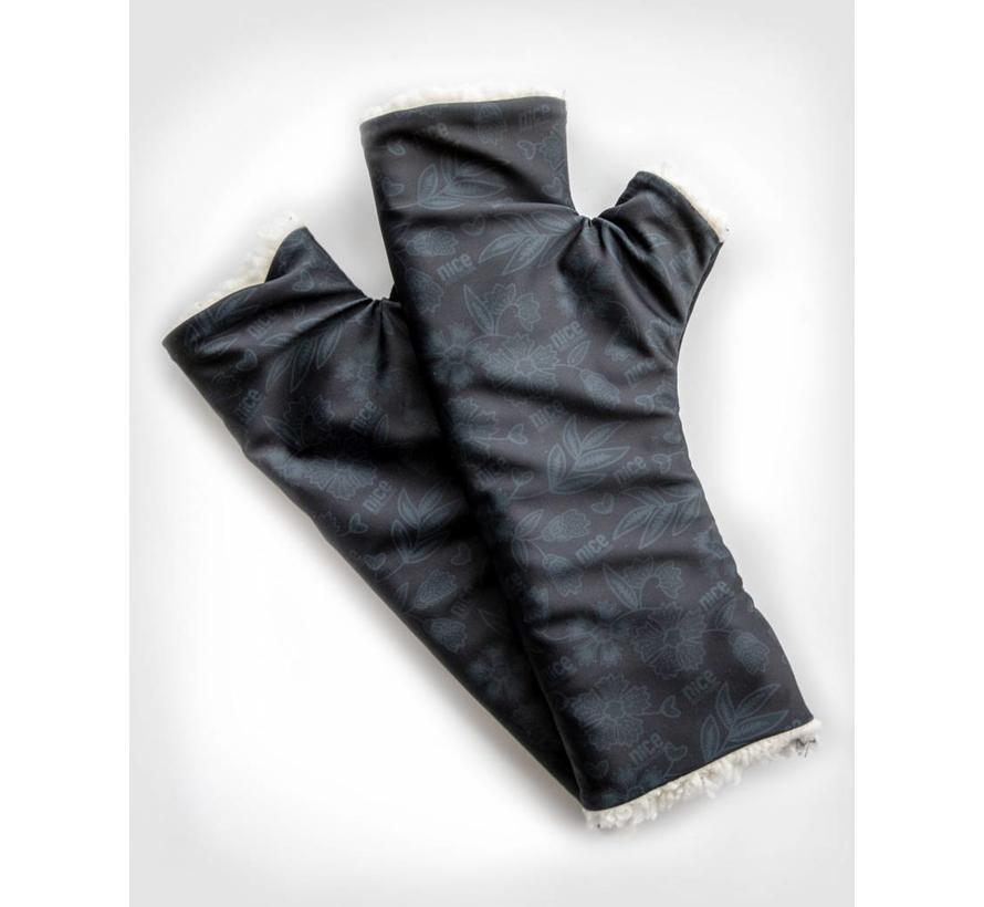 SHERPA Black wrist warmers