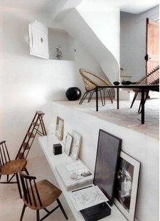Ajoutez du caractère et du style à votre intérieur avec une belle combinaison de cadres naturels et noirs.  Vu sur pinterest