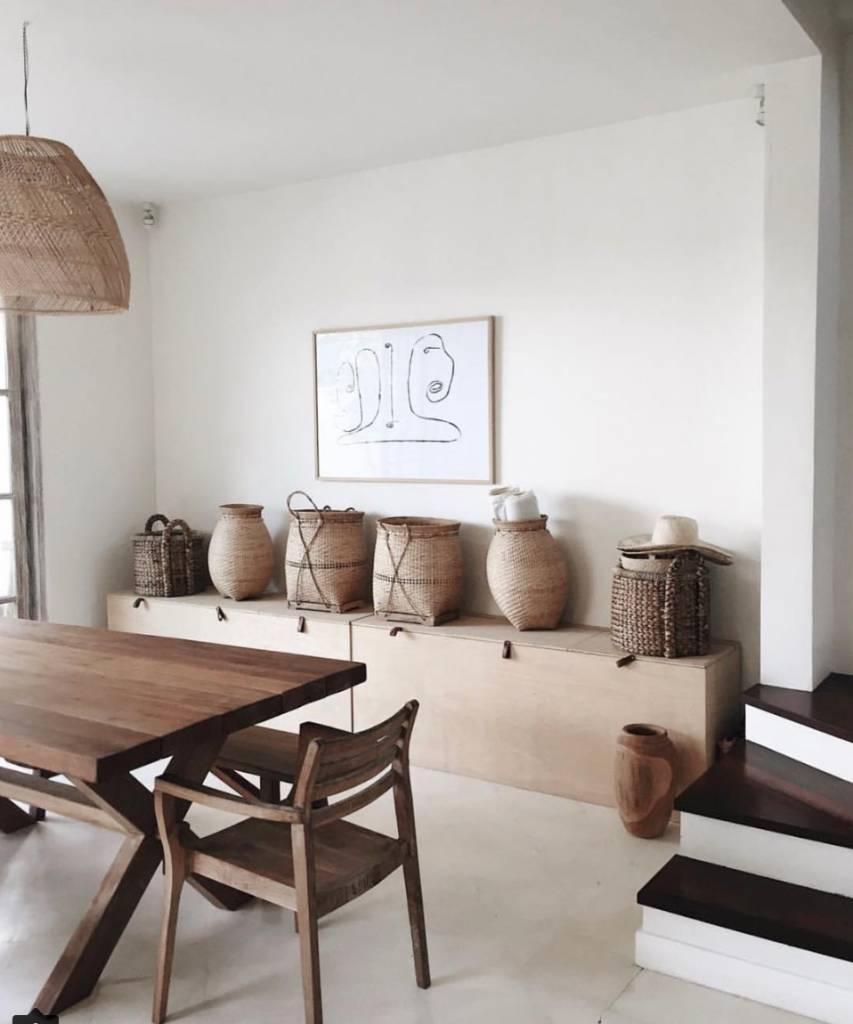 Cette pièce, sereine, se trouve dans la ''Villa Arjuna'' à Karangasem, est un reflet d'un interieur bohème typique - Vu sur instagram