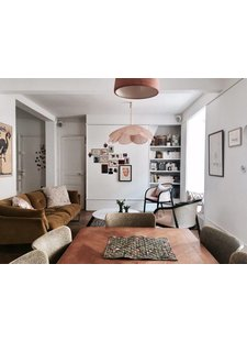 Parisian city aparthment of Elise Simian Karsenti featured on Elle.fr