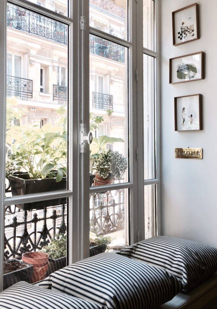 Parisian city apartment of Elise Simian Karsenti featured on Elle.fr