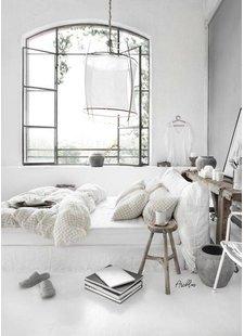 Una habitación con una base blanca y ligera! visto en Pinterest