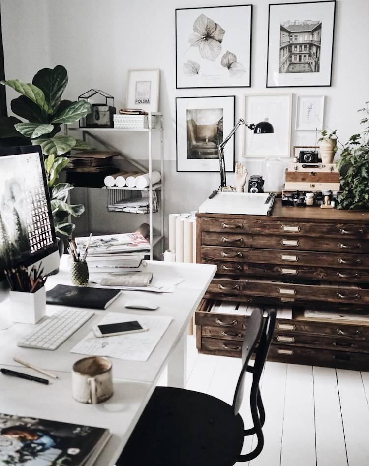 Home Decor With Fabulous Vintage Furniture Pieces