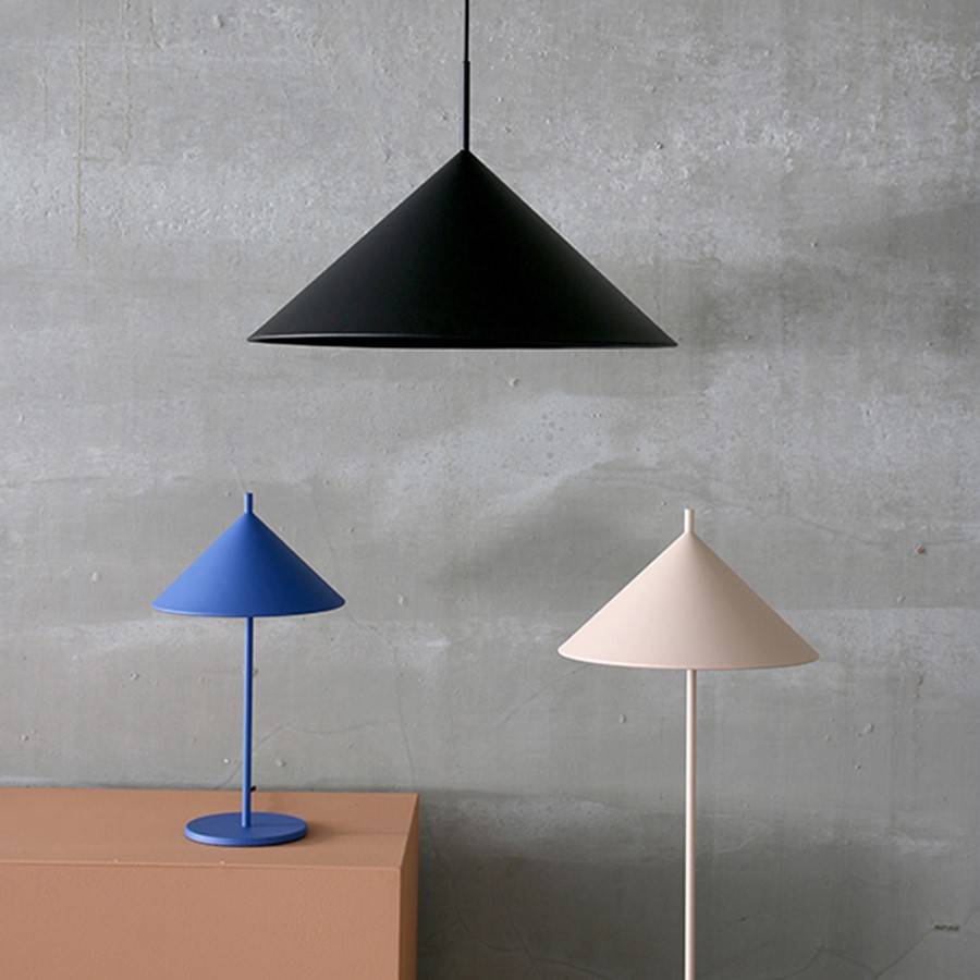 HK Living Metal floor lamp triangle - nude matt - Ø34xh150cm - HK Living
