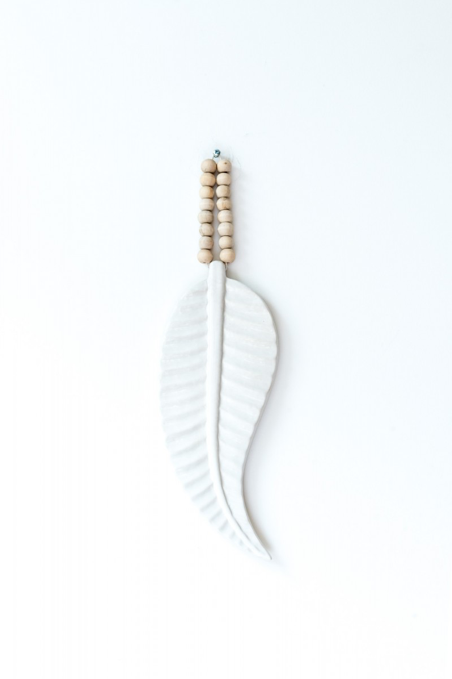 MaduMadu Wall hanging ceramic Feather - 31x12cm - MaduMadu