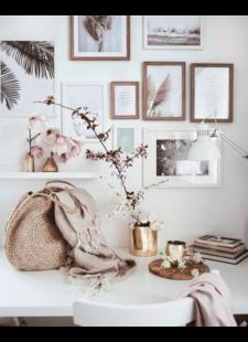 A delicate feminine office styling - vu sur @__marvena (insta)