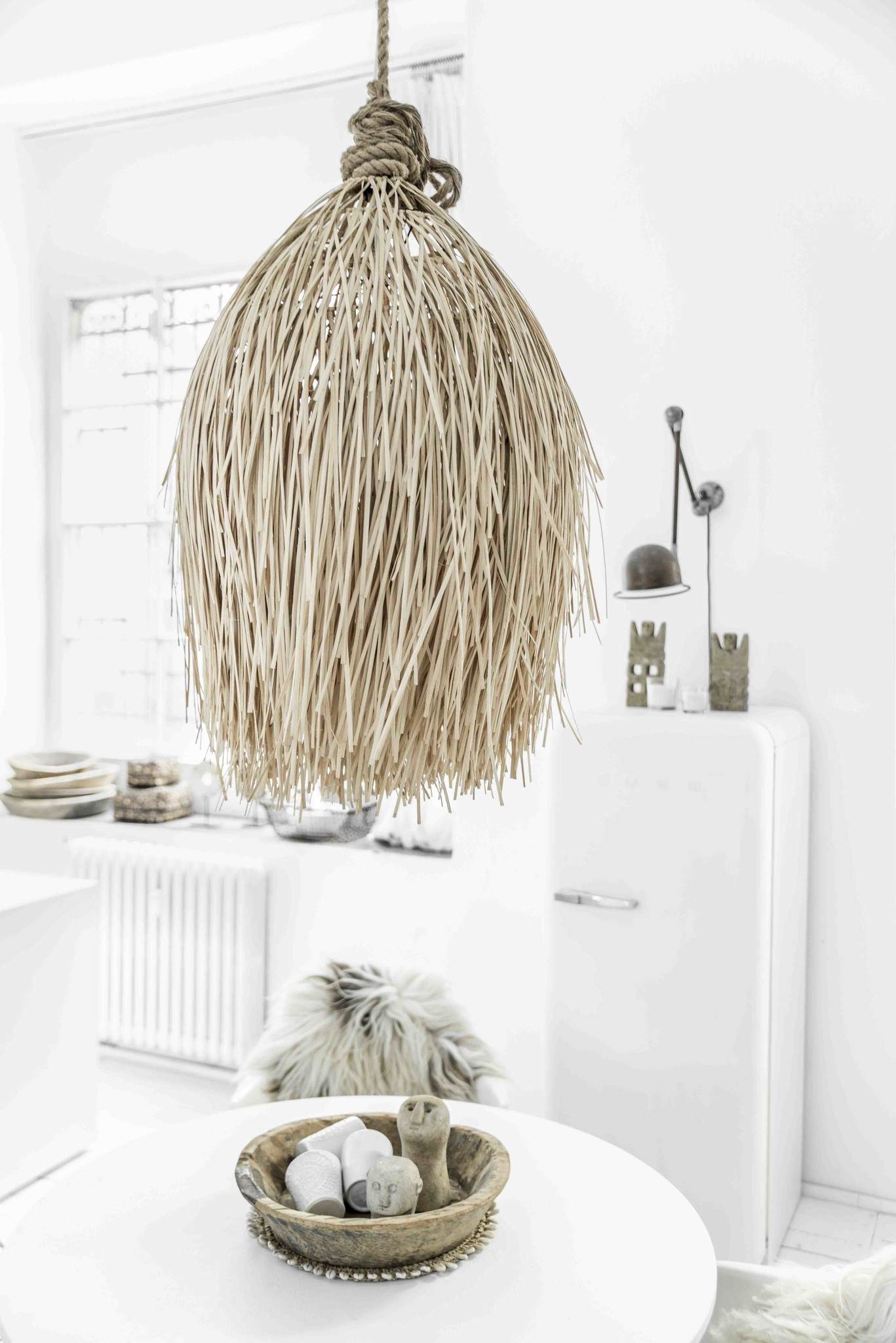 Petite Lily Interiors Suspension en rotin Shaggy - natural - Ø60xH90