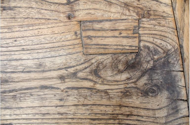 Mesa de salon vintage - Madera de Olmo - 62x63xh51cm