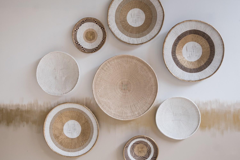 Petite Lily Interiors Tonga basket natural L - Gold Striped - Ø30-35cm