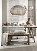 Des meubles en bois brut, associés à de beaux textiles aux tons apaisants - vu sur Pinterest