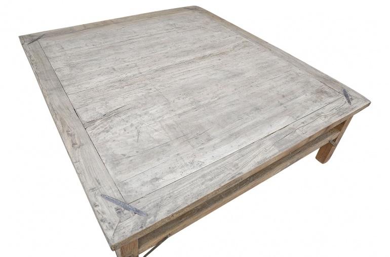 Table basse vintage / bois brut - 154x136xh46cm - noyer brut