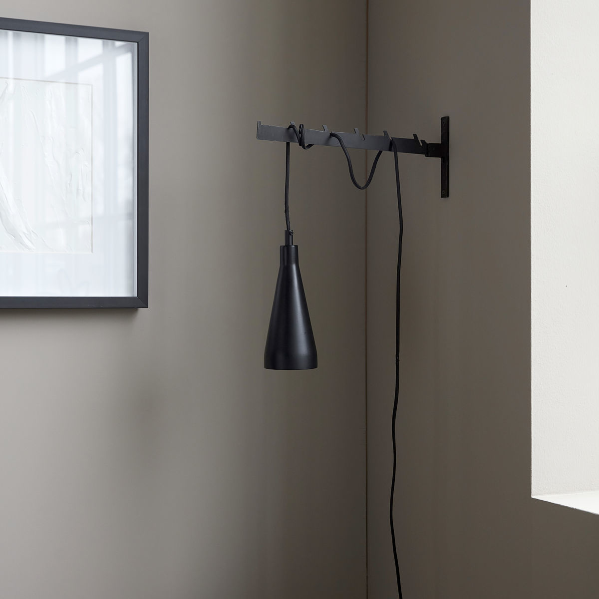 House Doctor Lámpara Jammu - hierro negro - Ø9Xh23,5cm - House Doctor